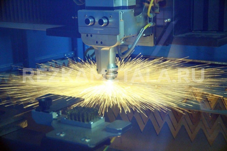 Температура гибки стали в Казани. Если Вам требуется качественная и оперативная резка металлов, эксперты нашей производственной компании предоставляют самое современное оснащение для резки, практический опыт и руки лучших спецов! Не надо спрашивать у нас, работаем ли мы с тем или иным металлом: мы сделаем абсолютно всё! Медь, сталь, титан, алюминий и многие другие металлы различной толщины и формы мы производим быстро на современном оснащении. Такой метод вовсе не подразумевает термическое воздействие и механическое давление на железо, потому мы предоставляем высокое эксплуатационное качество среза и отсутствие деформации. Наши квалифицированные специалисты предоставляют Вам огромный ряд выгод: - Промышленные установки, которые могут резать металлы с любыми габаритами и с любым металлом; - Отсутствие промышленных отходов, что позволит Вам сэкономить свои средства на материалах; - Тщательное соблюдение габаритов заказчика; - Гарантию отсутствия деструкций и качественной резки металла; Инновационное оборудование и высочайшее качество процессов - это наша первостепенная цель и ответственность перед клиентами. Металлы будут обслуживаться квалифицированными специалистами в г. Казань на самом современном оборудовании - у нас, несомненно, самое лучшее место для резки металла в Татарстане! Связаться с нашими специалистами Вы сможете, заполнив заказ на нашем сайте, либо созвонившись с нашими специалистами в телефонном режиме.