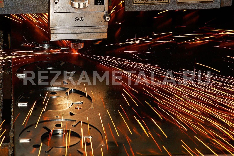Гильотинная рубка металла в Казани