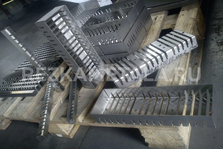 Резка профиля ножницами по металлу в Казани