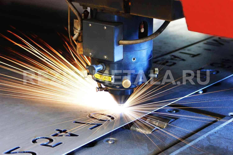 Электромеханическая гильотина для резки металла в Казани